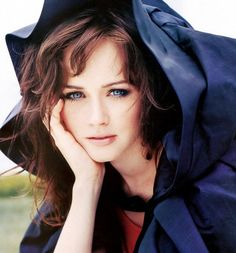 Alexis Bledel #1 girl crush forever this girl is too beautiful for words