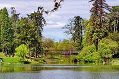 Paris, dans le Bois de Vincennes 169 le sommet de la Tour Eiffel