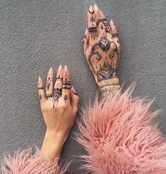 Mehndi Hand Ink by Veronica Krasovska