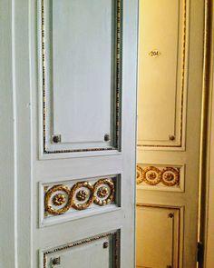 Двери. Позолота.