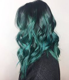 Teal balayage mermaid hair pravana vivids hair by Dark Green Hair, Green Hair Ombre, Lilac Hair, Gray Hair, Pelo Color Azul, Hair Color Highlights, Mermaid Hair, Mermaid Waves, Dye My Hair
