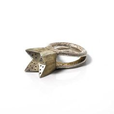 """""""Perfume ring"""" by Anne Fauteux. 1995. """"Filtre d'amour"""" (Filter of Love) from the Bijoux-Outils series, silver 925 and silver-gilt."""