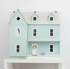 Beyond amazing teeny tiny house - 10 Dreamy Doll Houses | Tinyme Blog