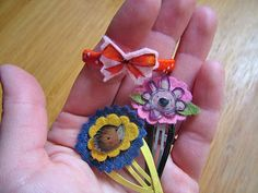 small world land: Shrinky Dink Barrettes-diy, quick and easy make your own. Diy Shrink Plastic, Quirky Girl, Shrinky Dinks, Small World, Perler Beads, Make Your Own, Bows, Easy, Tutus