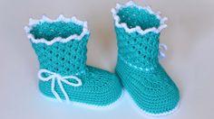 Crochet booties for girl DIY Booties Crochet, Crochet Baby Boots, Crochet Kids Hats, Crochet Girls, Crochet Shoes, Crochet Slippers, Baby Sandals, Baby Booties, Baby Shoes