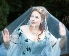 """The guide to the perfect Celtic wedding. Recreate the prefect """"authentic"""" wedding, including traditions Irish couples have practiced for thousands of years. Irish Wedding Dresses, Fantasy Wedding Dresses, Irish Wedding Traditions, Celtic Wedding, Irish Celtic, Circlet, Handfasting, Wedding Looks, Dream Wedding"""
