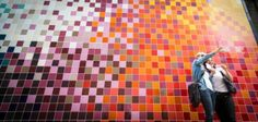 Artists Ptolemy Mann and Johnson Tiles have unveiled a beautiful mural consists of over colorful tiles in Clerkenwell Design Week in London. This mural co 3d Wall Tiles, Wall Tiles Design, Tile Murals, Concrete Texture, Tiles Texture, Floor Patterns, Tile Patterns, Johnson Tiles, Les Stickers