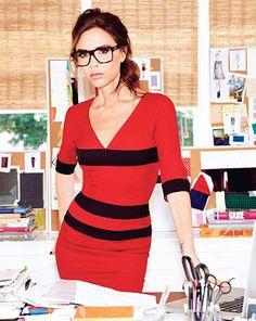 Dónde andan los famosos ( Victoria Beckham y su look intelectual )