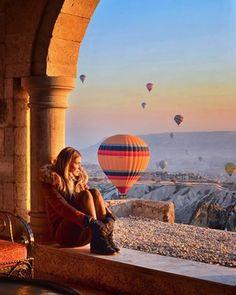 Tatil Home Sizi Rengarenk Balonlarla Süslü Muhteşem Gün Batımı Manzarasıyla Kendine Hayran Bırakan Masal Şehri Kapadokya 'ya Davet Ediyor... Detaylı Bilgi ve Rezervasyon İçin 444 33 98 http://www.kapadokyaturlari.com.tr/ #kapadokyaturlari #kapadokyaturu #otobüslükapadokyaturu #ucaklıkapadokyaturi #tatilhome #tatilbizimişimiz