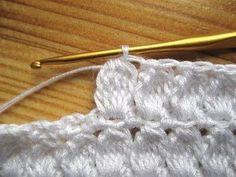 Dolce e Gabbana cardigan - stitch Gilet Crochet, Crochet Ripple, Crochet Fabric, Crochet Jacket, Crochet Diagram, Crochet Cardigan, Love Crochet, Crochet Motif, Beautiful Crochet