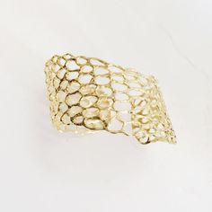 Mermaid Scales Wrap Around Cuff Bracelet (Gold) – tidepoollove