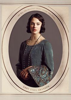 Sybil from Downton Abbey- I loved her so much Downton Abbey Costumes, Downton Abbey Fashion, Sybil Downton, Lady Sybil, Jessica Brown Findlay, Photo Souvenir, Period Costumes, Cool Costumes, Sad