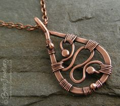 Boo's Jewellery: This weeks fixation is . Copper Wire Jewelry, Wire Wrapped Jewelry, Wire Necklace, Copper Necklace, Wire Pendant, Pendant Jewelry, Wire Crafts, Jewelry Crafts, Ideas Joyería