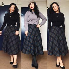"""e63768967 IMAGEM on Instagram  """" tbt dos looks de frio que eu usei lá fora. Saia  xadrez de lã batida e blusa térmica preta ou blusa de lã cinza."""