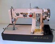 if a sewing machine can be pretty( in my world they are gorgeous!) then this is the Miss America of sewing machines....ahhhhh....Atlas.