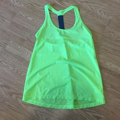 Workout tank Never worn workout tank Old Navy Tops Tank Tops