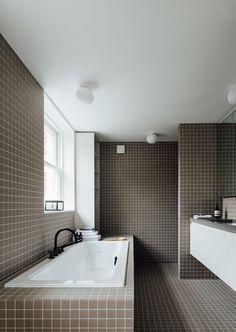 Home Interior Salas Stanhope Gardens Small Bathroom With Tub, Small Bathroom Floor Plans, Small Bathroom Layout, Modern Small Bathrooms, Small Bathroom Vanities, Beautiful Bathrooms, Interior Exterior, Home Interior, Bathroom Interior