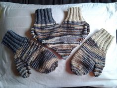 Ravelry: Heart mittens for couple pattern by Mister Winter