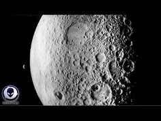 EWAO Warned off the Moon? Video shows Alien bases on the far side of the moon Aliens And Ufos, Ancient Aliens, Secret Space, Shoot The Moon, Moon Photos, Extra Terrestrial, The Far Side, Ancient Mysteries, Ufo Sighting