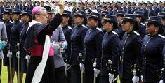 Un desmayo se rob� la atenci�n durante el aniversario de la Polic�a