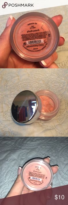 BARE MINERALS Peach Plush Blush Brand new, never used! Great light blush color for all skin tones. bareMinerals Makeup Blush