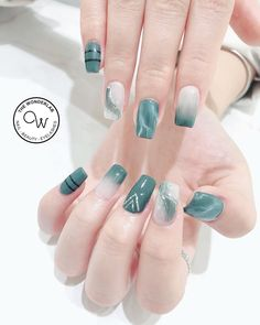 32 Gorgeous Marble Nail Design Ideas That Will Make Your Fingertips Attractive! - Page 20 of 32 - GetbestIdea Diy Nails Cute, Pretty Nails, Marble Nail Designs, Nail Art Designs, Nails Design, Korean Nail Art, May Nails, Black Acrylic Nails, Nail Swag