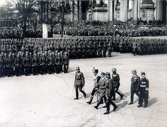 August von Mackensen mit Adolf Hitler vor dem Berliner Dom, 1935