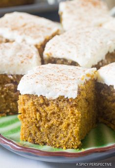 Pumpkin Texas Sheet Cake with Buttermilk Frosting - Moist pumpkin spice cake slathered with tangy frosting. This casual desserts is a must for the holidays! Pumpkin Sheet Cake, Pumpkin Spice Cake, Pumpkin Dessert, Pumpkin Bread, Just Desserts, Delicious Desserts, Dessert Recipes, Key Lime, Food Cakes