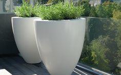Pin by Jason Craft on Planters & White Planters, Modern Planters, Flower Planters, Flower Pots, Planter Pots, Fiberglass Planters, Contemporary Garden, Garden Pots, Balcony Gardening