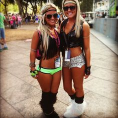 Ultra Music Festival  For more pics go to: http://www.fabtabtv.com/ultra-music-festivals-galactic-neon-style/