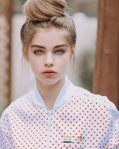 Picture of Jade Weber Girl Face, Woman Face, Jade Weber, Cute Young Girl, Aesthetic Girl, Tumblr Girls, Beauty Photography, Beautiful Eyes, Pretty Face
