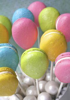 Balloon macarons - Cutest Food