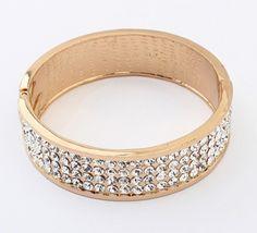 Veja nosso novo produto Bracelete Dourado Strass com onça! Se gostar, pode nos ajudar pinando-o em algum de seus painéis :)