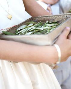 Olive branch confetti...sooooo Greek! i love it!