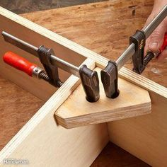 Woodworking Program Here's a little helper that you can make in about two minutes. It's like a third hand for holding cabinet parts together for assembly, or for clamping miter joints. Woodworking Hand Tools, Woodworking Patterns, Woodworking Classes, Popular Woodworking, Woodworking Furniture, Woodworking Crafts, Woodworking Plans, Woodworking Basics, Woodworking Magazine