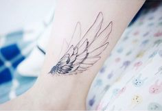 Wings on ankle - Ankle Tattoo Designs Eagle Tattoos, Feather Tattoos, Line Tattoos, Body Art Tattoos, Sleeve Tattoos, Small Tattoos, Cool Tattoos, Ankle Tattoo Designs, Tattoo Designs For Women