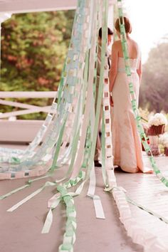 wedding arch idea with paper chain