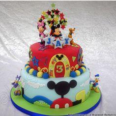 Mickey mouse cake -- Disney cakes