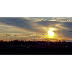 Yesterday's #Yeg #sunset  A very blobby sun. #exploreedmonton #explorecanada #lifeincanada #travelalberta #unlimitedcanada #adorablecanada #peerlesspixel #viewbugfeature #myphotocrowd #ig_captures #igyegers #IGyeg #imagesofcanada #ig_myshot #ig_color