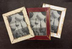 Aus alten Berliner Holztüren säge ich Leisten und baue dann diese Bilderrahmen für die Fotogröße 13  x 18 cm. Frame, Home Decor, Pictures, Recyle, Picture Frame, Decoration Home, Room Decor, Frames, Interior Design