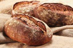 Schwarzwälder Landbrot - HomeBaking - posted by www. Rustic Bread, Bread Recipes, Artisan, Pasta, Baking, Breads, Baguette, Food Ideas, Natural