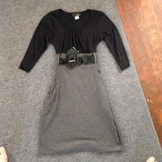 Business dress! Never worn! Just tried it on and didn't fit me! Says size large fits more like a true to size medium! It's a little tight! Great for teaching or an office job! Smoke and pet free! Great condition no stains rips or holes! jcpenney Dresses