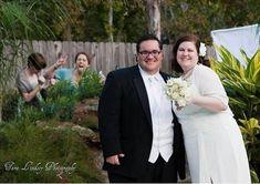 Funny Wedding Photobombs – 40 Pics