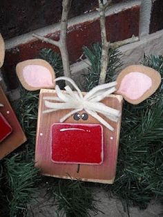 Craft Goodies: Reindeer!  Made with a 2x4 block of wood. Felt ears, looks like twig antlers. how cute!
