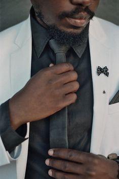 WEEF Matt Black Handmade Leather Skinny Tie, creates a beautiful texture on a black button up shirt. Black Button Up Shirt, Button Up Shirts, Long Ties, Custom Ties, Skinny Ties, Suit And Tie, Casual Street Style, Handmade Leather, Nice Dresses