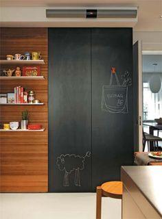 Este apê ganhou novo hall e acabamentos luxuosos na cozinha e no banheiro - Casa