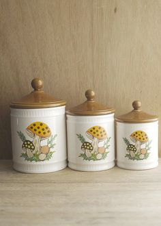 mushroom kitchen canisters found at ForestDaydream on Etsy. Vintage Canister Sets, Kitchen Canister Sets, Kitchen Containers, Vintage Pyrex, 70s Kitchen, Kitchen Stools, Vintage Kitchen, Kitchen Stuff, Kitchen Themes