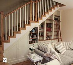biblioteka pod schodami - zdjęcie od Artystyczna Manufaktura - klasyczne meble na wymiar