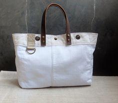 White messenger bag leather handles canvas&linen por LAMILAcanvas2
