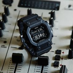 G-Shock BLACK OUT BASIC GXW-56BB-1JF